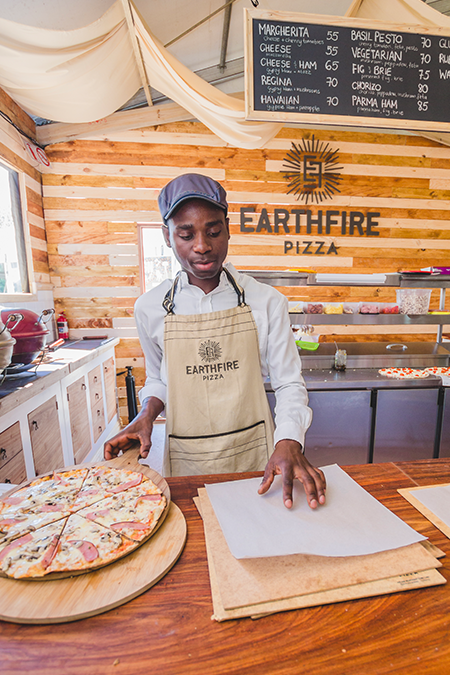 Earthfire-Pizza-New-Stand-@-Root-44-Market-in-Stellenbosch